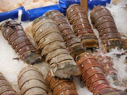 OK, lobsters look like big crusty worms to me.  Yuck.
